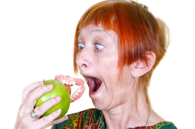 מהם תוספי תזונה שעוזרים לשמור על בריאות השיניים ומונעים חורים בשיניים?