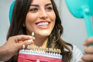 השתלת שיניים מיידית לאחר עקירה