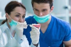 שיוף שיניים כטיפול קוסמטי משלים לאחר יישור שיניים, בדרך לחיוך מושלם