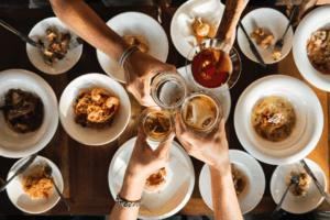 אוכל מזיק לשיניים | מאכלים המזיקים לשיניים